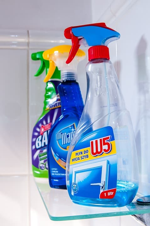 House cleaning liquids for quick wash