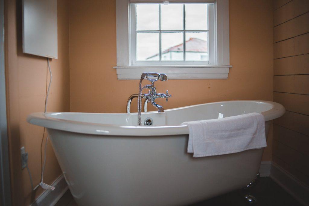 cleaning Ideas for Bathtub